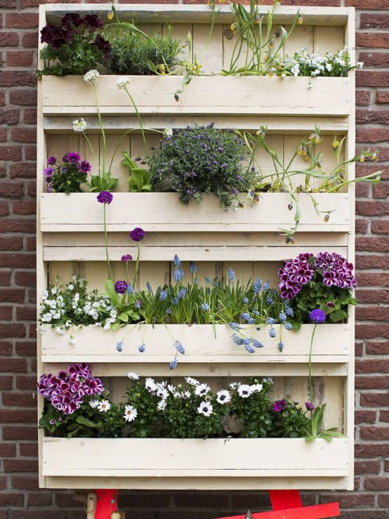 pallet tuin Medium: Butterfly : Accessories & decoration by Pop up Pallets