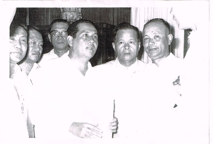 President Diosdado Macapagal ( 4th from left) visits Cavite City in the 50s. Second from left and at the back of the President is my dad, Bernardo Rojas. Pres.Macapagal was a political ally of the Rojas clan during those times. In fact, the president stood as godfather in my younger sister's ( Marybeth) baptism in 1958.