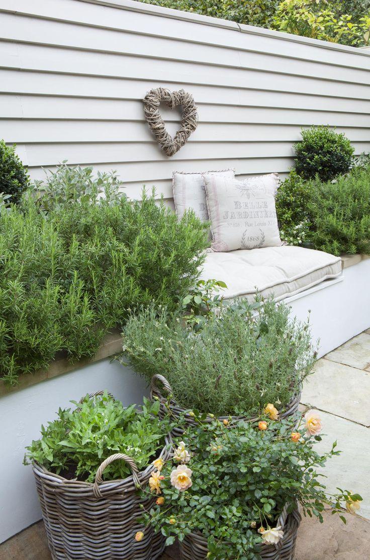 Leopoldina Haynes Garden: rosmary, cushions and a willow heart