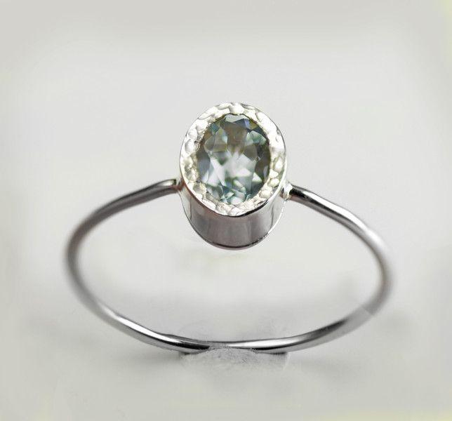 Goldringe - Weißgold Aquamarin Ring, Verlobungsring - ein Designerstück von arpelc bei DaWanda