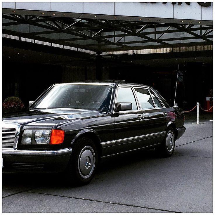 MERCEDESBENZ SEL #mercedes #mercedesbenz #benz #sklasse #w126 #schwarz #black #long #limousine #car #auto #automobile #420sel #500sel #560sel #8zylinder #brunosacco #thewestinhotel #thewestingrand...