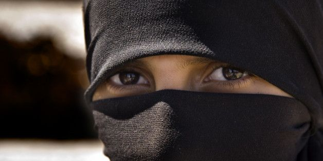 Ofsted Chief Takes Stand Against Muslim Face Veils In Schools