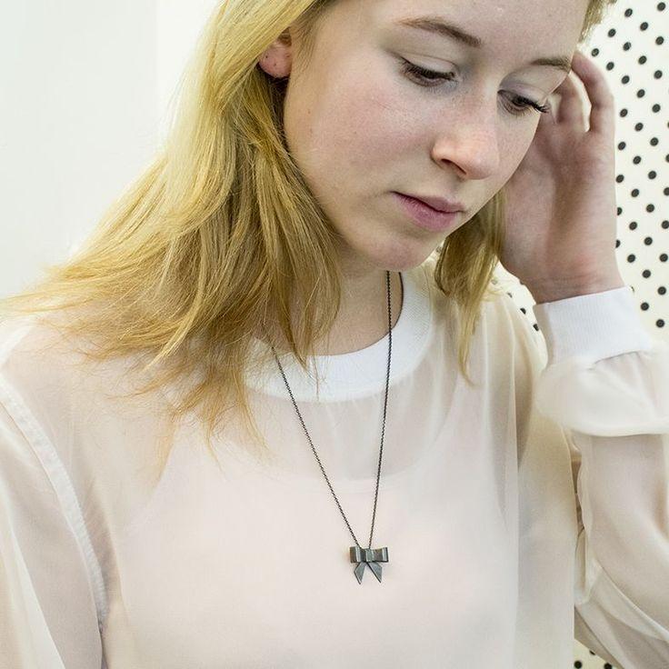 Strik Hangertje / Bow Pendant (oxidized silver) via Marije Geursen Jewellery. Click on the image to see more!
