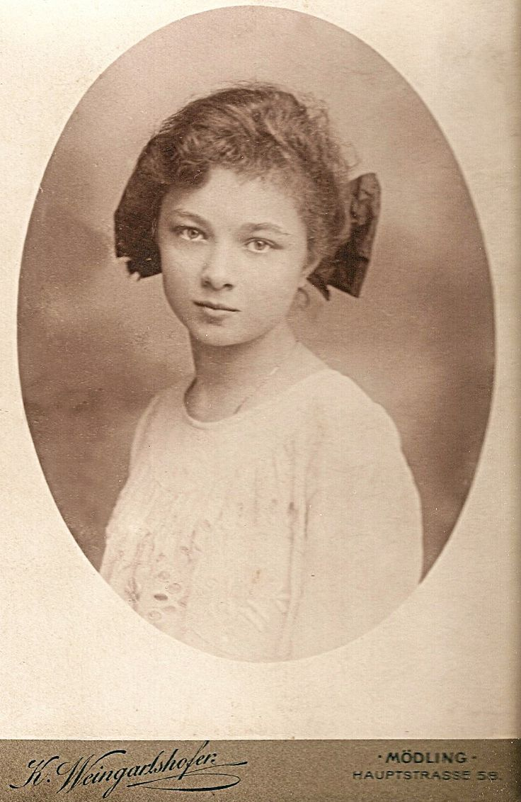 Antique Photograph ~+~+~ Soulful girl ~ Germany c.1900 ...