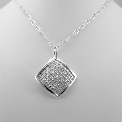 CS220 - Elas jewellery box - One-of-a-kind, hand carved sterling silver pendant.