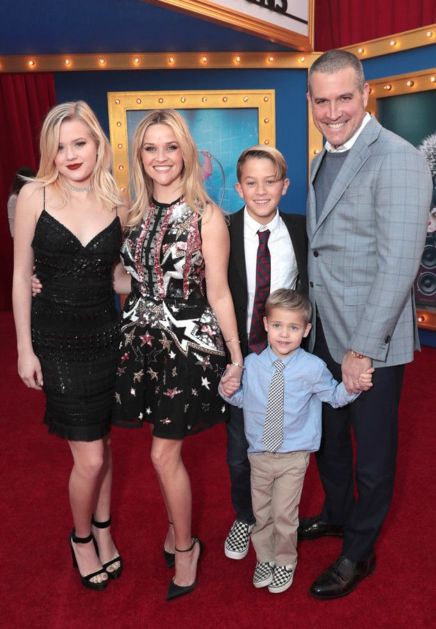 Find Out Why Reese Witherspoon's Kids Told Her to Stop Singing Taylor Swift and Katy Perry So Often | E! News