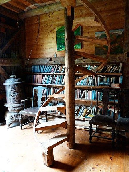 Bookcases and staircases