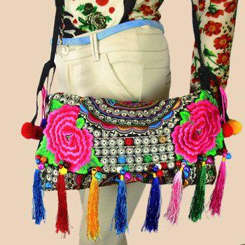 Super gave en mooie Thaise Handgemaakte Bohemian schouder tas met de hand geborduurd.