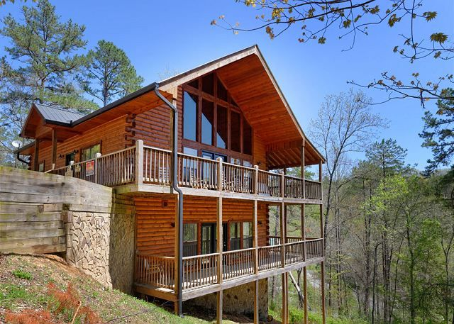 Bear splash 409 4 bedroom cabins pigeon forge cabins for 8 bedroom cabins in gatlinburg
