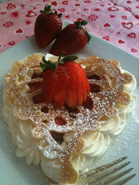 Lacy french vanilla pancakes with strawberries and chantilly cream: Valentines, Breakfast, Strawberries, Vanilla Pancakes, French Vanilla, Dessert, Lacy French