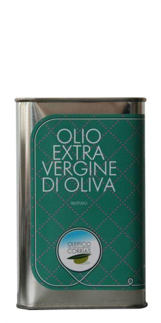 Heerlijke #Corrias extra vergine olijfolie uit het westen van Sardinië. Deze olijfolie smaakt niet alleen lekker, maar staat ook nog eens heel decoratief in de keuken. Er zijn nog drie blikjes van dezelfde olie, maar met verschillende etiketten. Kies een blik dat past bij je keuken. Ook erg leuk om als cadeau te geven.