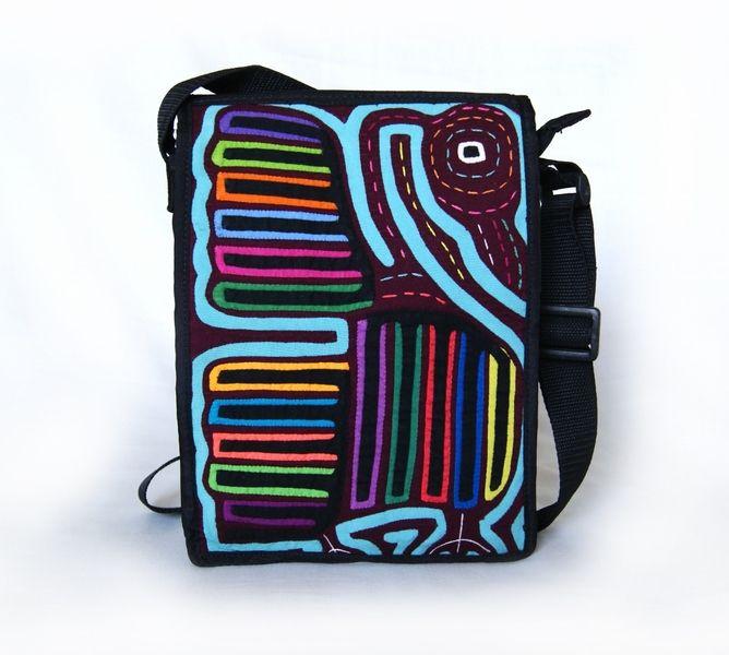 Umhängetasche mit einzigartigem Textil Mola-Dekor von MOLA-BAGS auf DaWanda.com