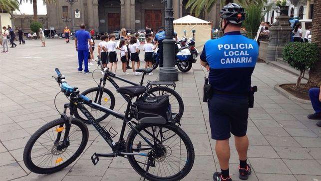 Grupo Mascarada Carnaval: La Policía Local de Las Palmas de Gran Canaria des...