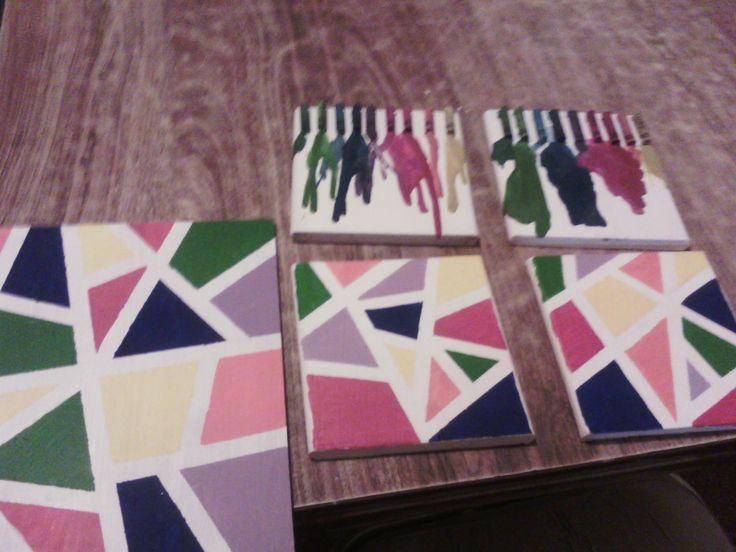 diseños variados de cuadros; con crayones derretidos y con figuras triangulares