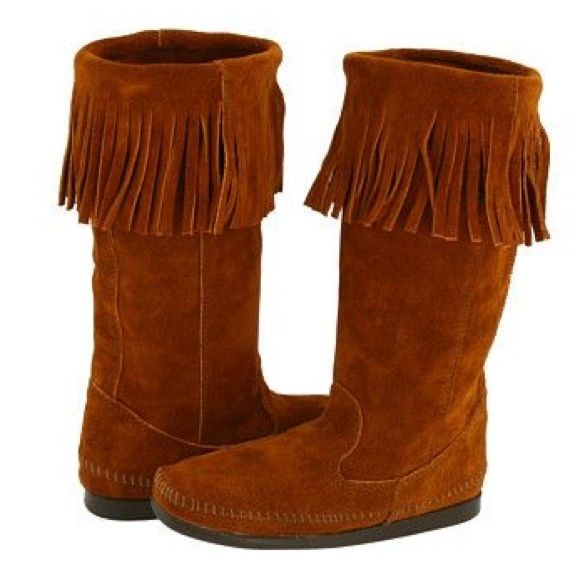 Minnentoka tan boots These boots are brand new never been worn comes with  detachable feathers and