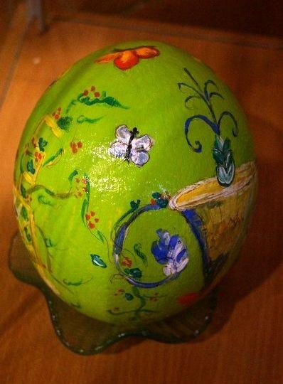 """""""Natura"""" - Uovo di struzzo realizzato con colori ad olio"""