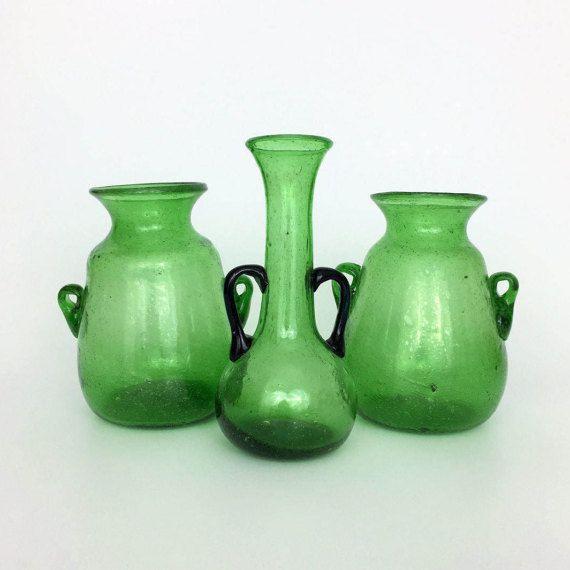 Sammlung von Vintage Smaragd grünen mundgeblasenen Vasen / / ägyptische Kunst / / Smaragd Grün Glas / / Glas Vase / / geblasen Glasvase / / geblasen Glaskunst