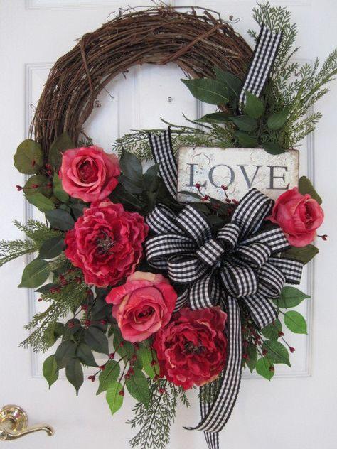 best 25 valentine wreath ideas on pinterest valentine day wreaths heart wreath and diy. Black Bedroom Furniture Sets. Home Design Ideas