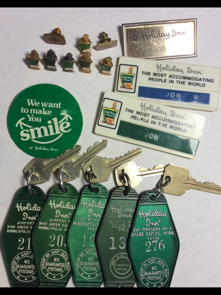 Roadmap Of The Us%0A Holiday Inn keys  badges and pins