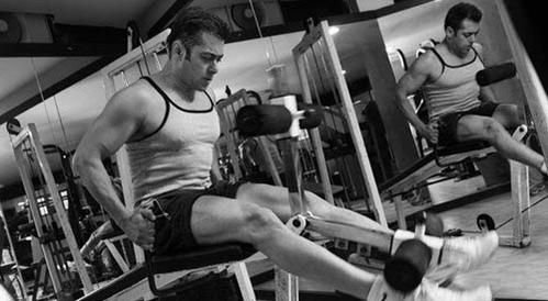 """Check out Salman Khan working out in the gym for his upcoming movie """"Sultan"""""""