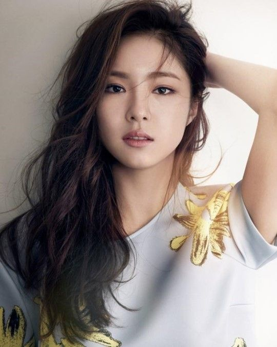 Shin Se Kyung Is a Spring Goddess for Belgian Brand ESSENTIAL
