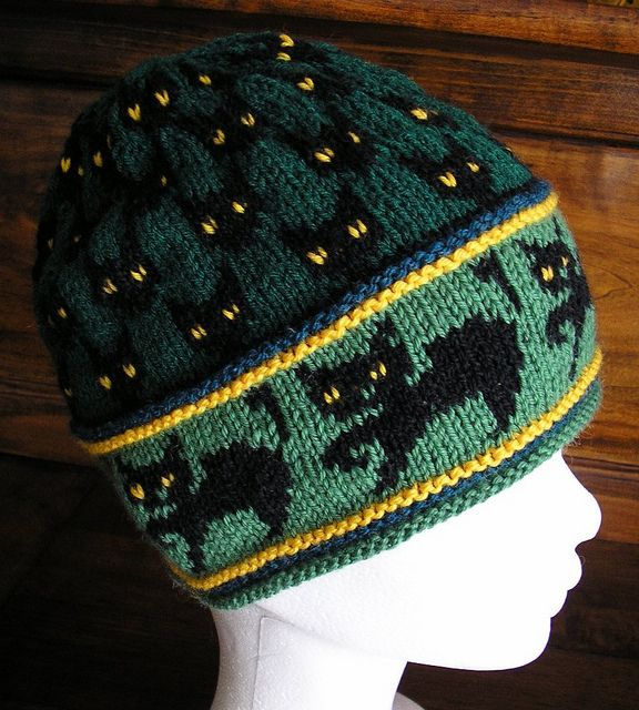Let's knit cat hats!!..free pattern on Ravelry
