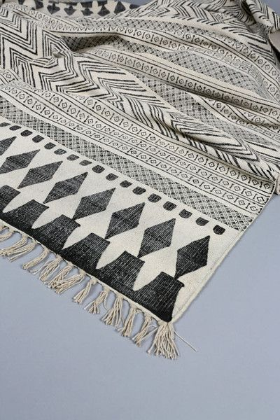 black and white aztec rugs aztec bedrooms decor black and white rugs
