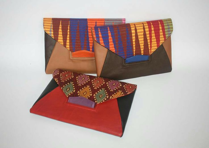 Beautiful Clutch in Handwoven Fabrics and Cow Leather.