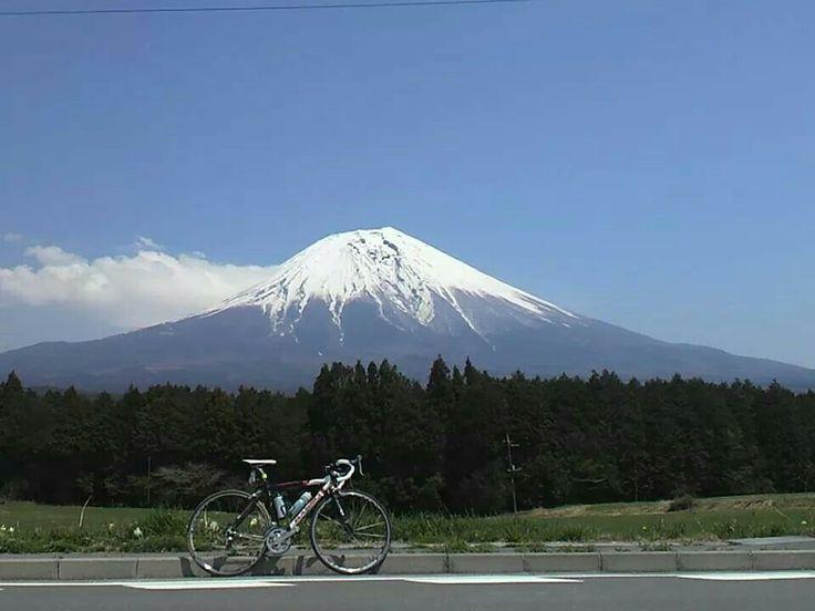 ロードバイクと富士山