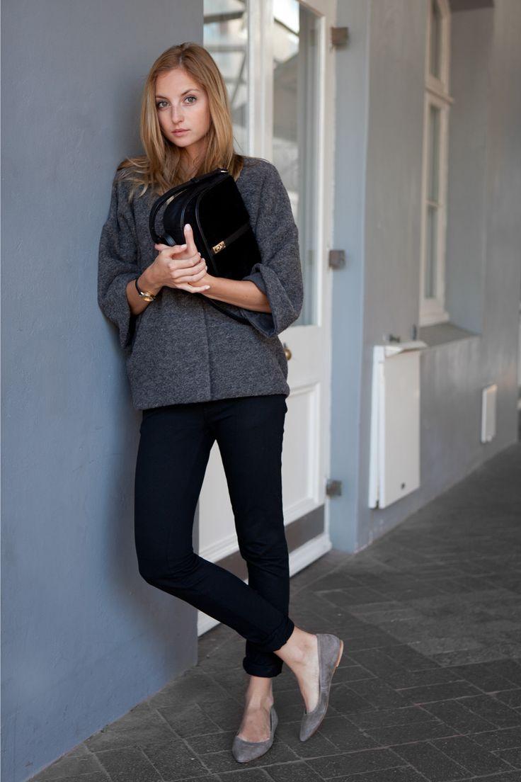 grey sweater: WIOLA WOŁCZYŃSKA   pants: ARMANI JEANS (similar here and here)   bag: PURIFICACION...