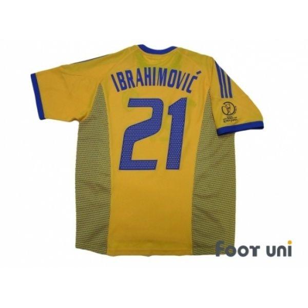 Photo2 Sweden 2002 Home Shirt 21 Ibrahimovic Korea Japan Fifa World Cup 2002 Patch Badge Adidas 2002 K Retro Football Shirts Sweden Football Football Shirts