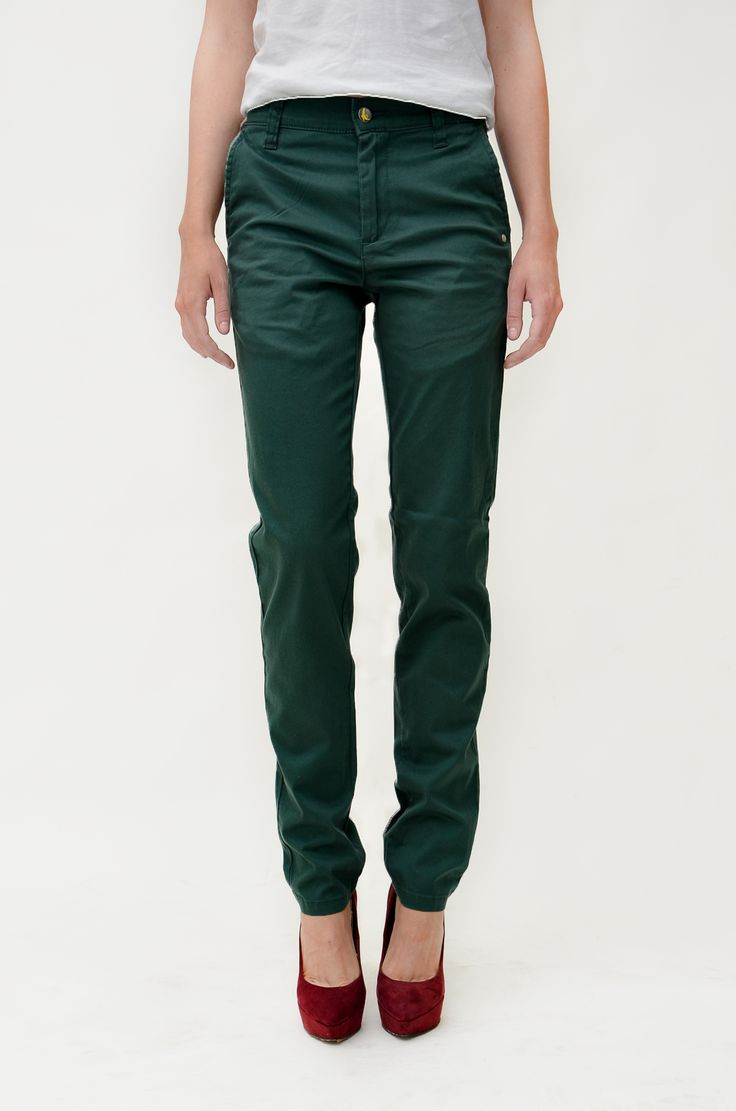Dark green chinos made of organic cotton by Monkee Genes. 85 € at http://www.supergoods.be/collections/monkee-genes/products/monkee-genes-chinos-green