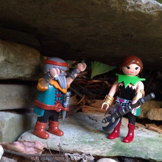 When Emrys the dwarf presented Holly with her axe, she thought it was a guitar. #HollyOakleaf #axe #guitar #playmobil #forest #forest_village