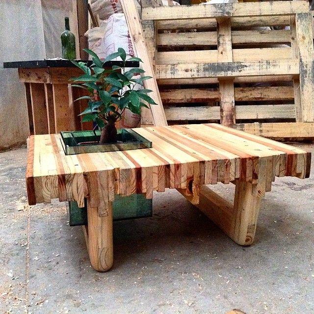 #woodwork #plantas #wood #reciclaje #thelittleyisus #madera #furniture #muebles #mesa #mesaacuario lista la mesa acuario quien dijo yo? 100% madera reutilizada....... de thelittleyisus