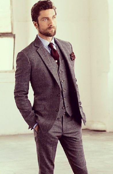 グレースーツに合わせるネクタイ&シャツ|青シャツ x 赤ネクタイ