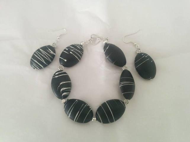 Black & White Set £7.99