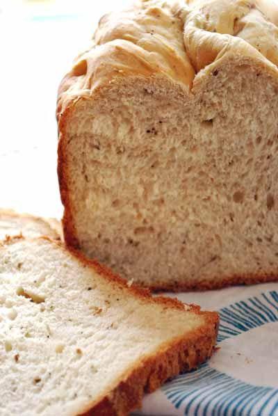 Pan de hierbas básico. Receta para panificadora