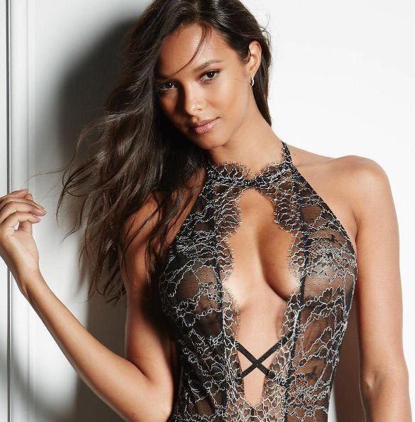 Skinny sluts pornude, free windows pussy video