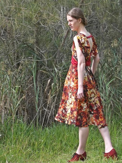 Antipodean Stitcher: In Season Silk Comp: Boulanger Tea Dress