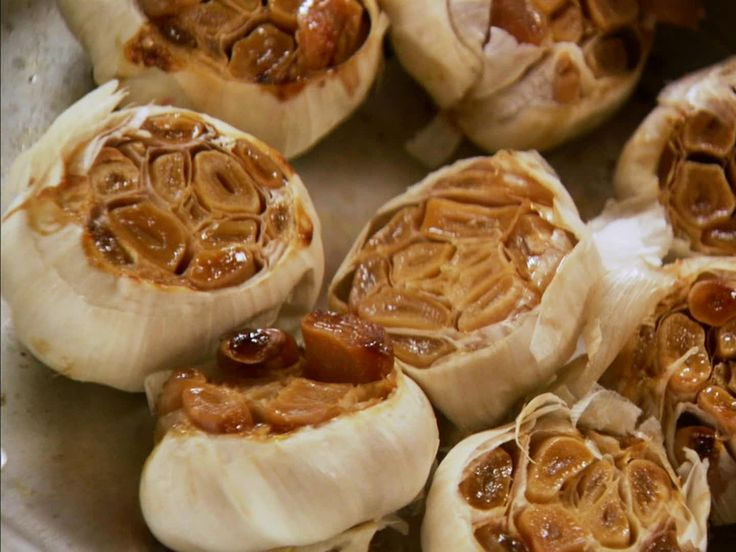 Roasted Garlic recipe from Ree Drummond via Food Network