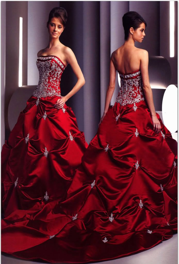 If I were getting married again (which my husband is opposed to...) I would wear this dress. Gorgeous!!!