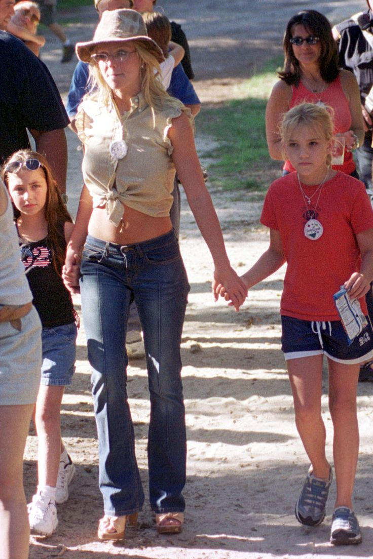 Jamie Lynne Spears arrives at the Britney Spears Camp for the Performing Arts on August 25, 2001 in Yarmouth Port, MA.   -Cosmopolitan.com