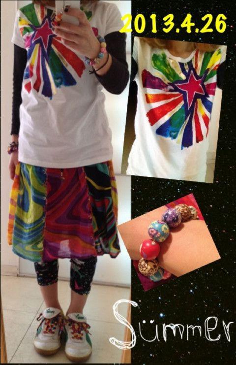 今日はハデハデ~  昨日オールドネイビーで買った 2枚で1500円のTシャツ キッズの160センチ