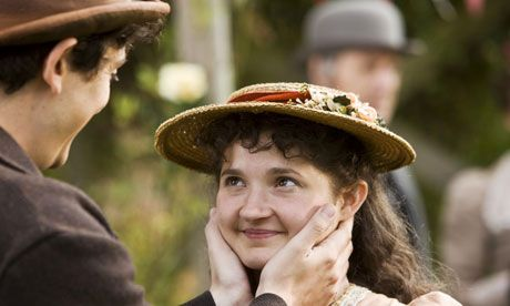 """Alf Arless"" (John Dagleish) and ""Minnie Mude"" (Ruby Bentall), Lark Rise to Candleford"