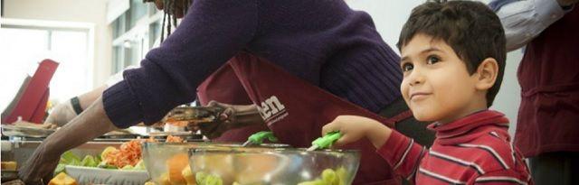 Dit Amerikaanse schooldistrict serveert als eerste 100% biologische, gentechvrije maaltijden - http://www.ninefornews.nl/dit-amerikaanse-schooldistrict-serveert-als-eerste-100-biologische-gentechvrije-maaltijden/