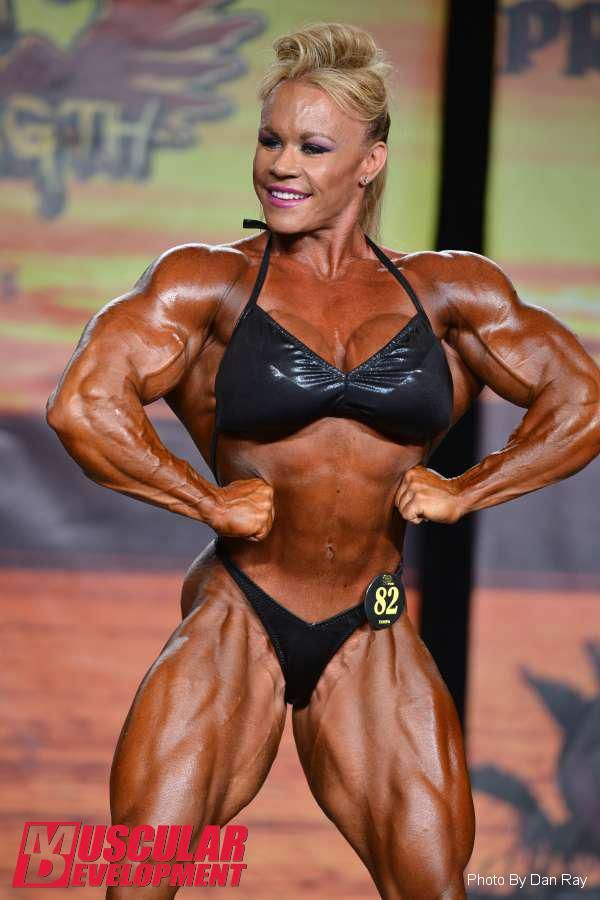 Aleesha Young - 2015 IFBB Tampa Pro | Biceps et gros bras ...
