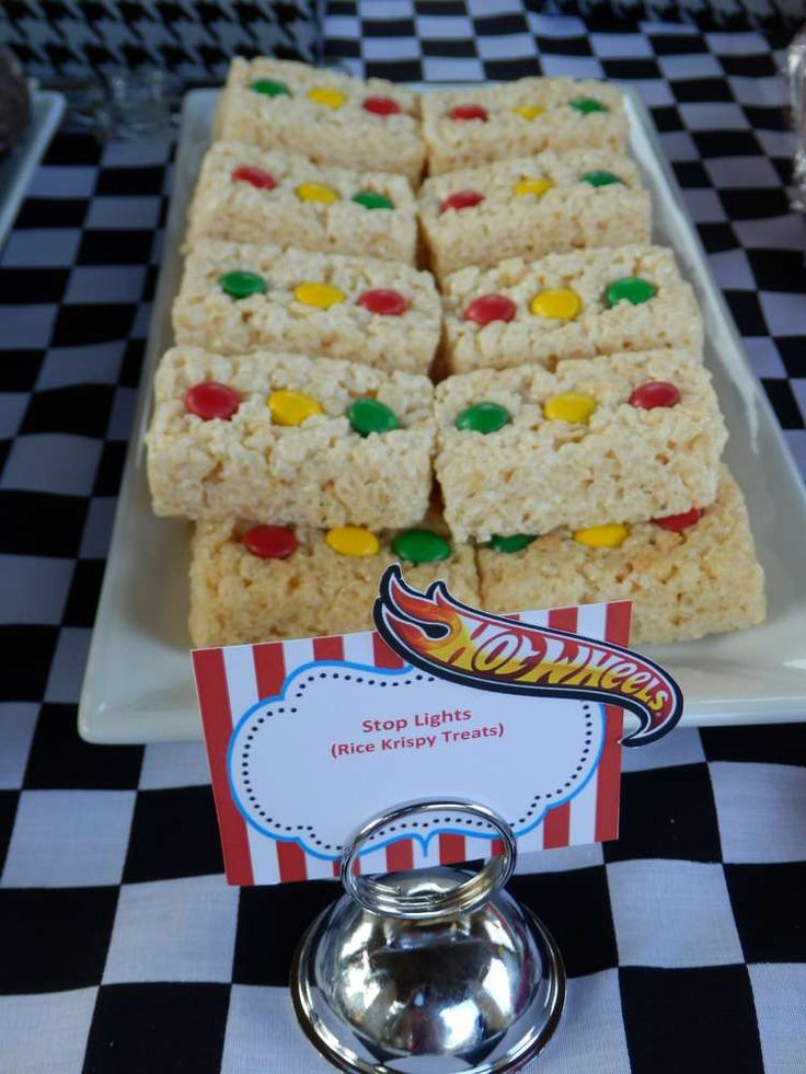 Traffic light Rice Krispie treats at a Hot Wheels birthday party! See more party ideas at CatchMyParty.com!
