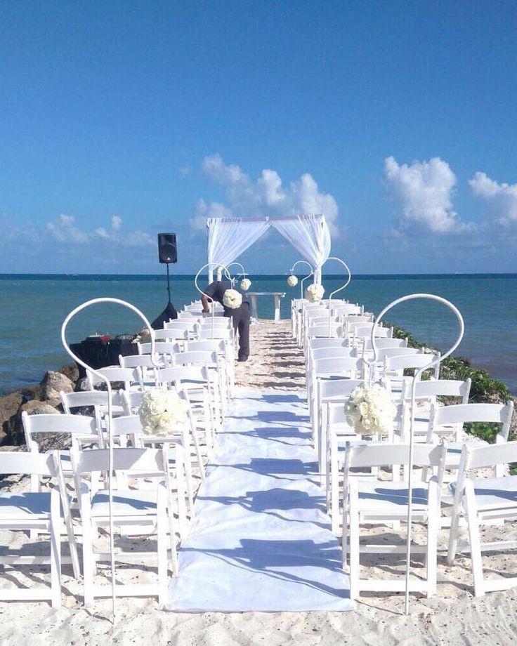CBD223 wedding riviera maya white flowers pomanders for ceremony aisle/ decoración flores blancas para camino de ceremonia