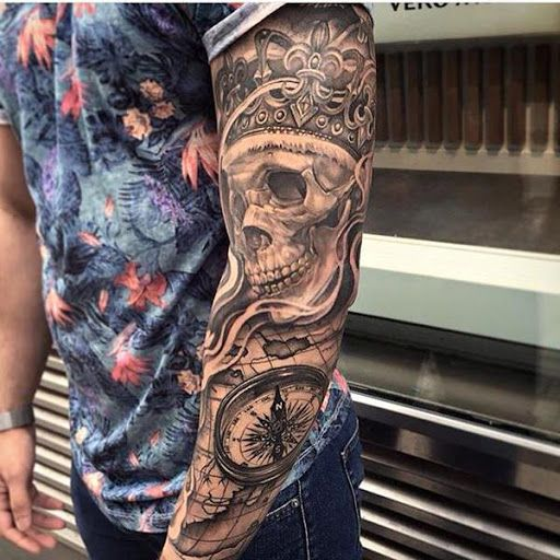 Cranio tatuagem como parte de uma manga #tattoo #tattoos #tattooed #inked #tats #ink #tatoo #tat #tattooart #tattooartwork #tattoodesign #tattooartist
