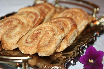 http://miremirc.blogspot.ro/2012/11/palmieri-cu-scortisoara_24.html